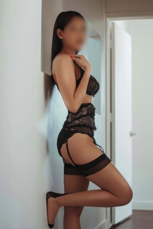 Bluette escort girl