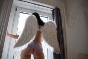 Gwendolyn outcall escort