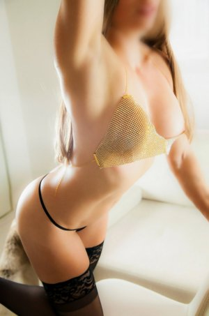 Majdouline independent escort in Weddington