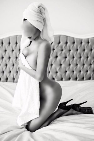 Bettina escort in Champaign