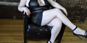 Anne-gael independent escort in Connersville IN